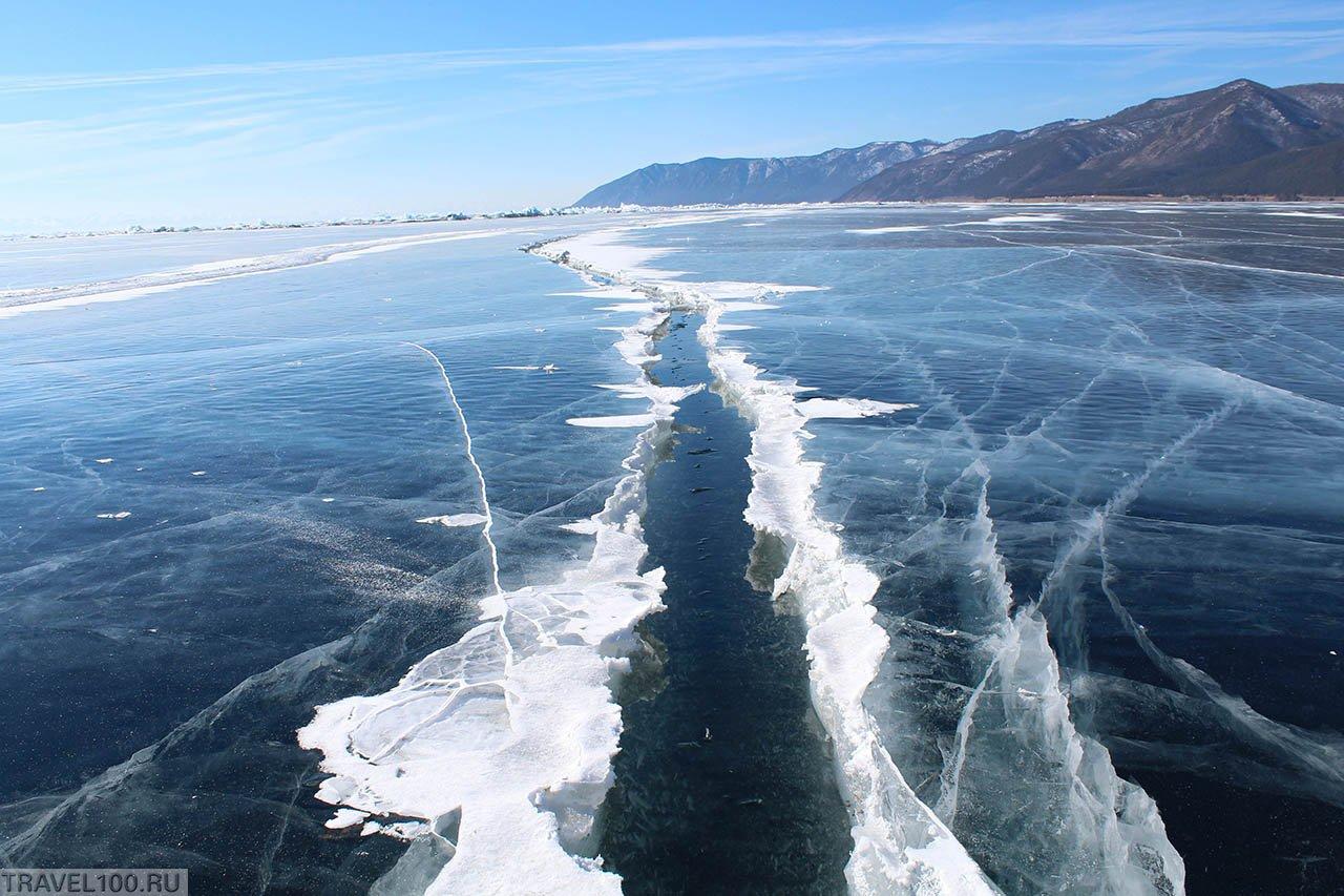 Фото Трещина во льду на Байкале