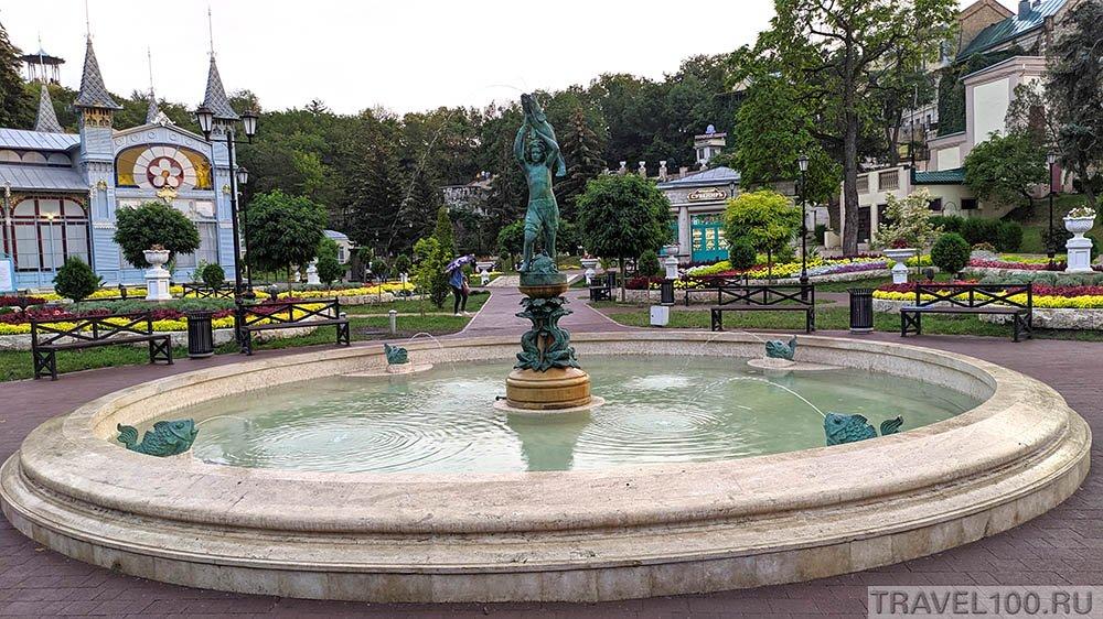 park-cvetnik-fontan-udachnyj-ulov